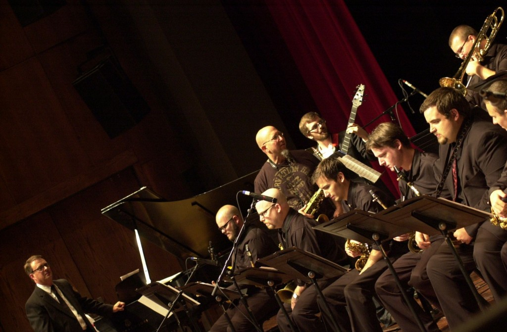 Jeff Coffin performing with the Mississippians.